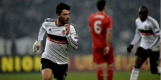 Tolgay gidecek, Gomez gelecek