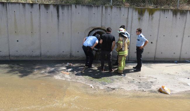 Polisten kaçan hırsız kanalizasyona girdi