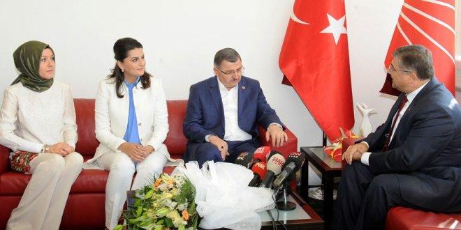 AKP'den CHP'ye bayram ziyareti
