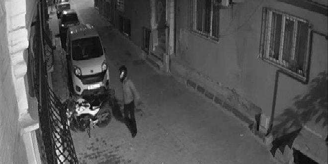 Kasklı hırsızlar kamerada