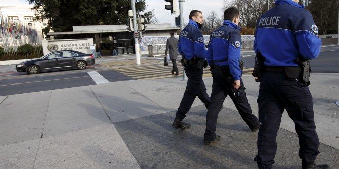 Türk diplomatlara yakalama kararı