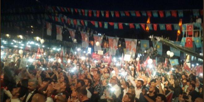 Üsküdar Belediyesi Akşener konuşurken ışıkları söndürdü!