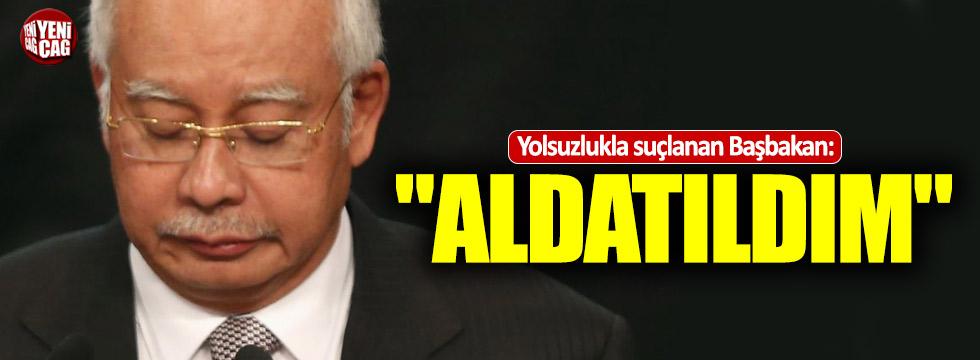 """Yolsuzlukla suçlanan Başbakan: """"Aldatıldım"""""""