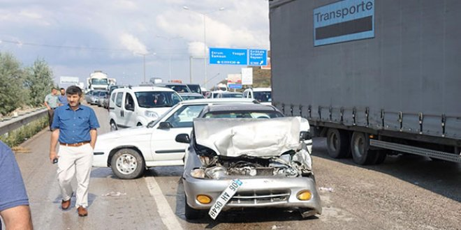 Kırıkkale'de 11 araç birbirine girdi