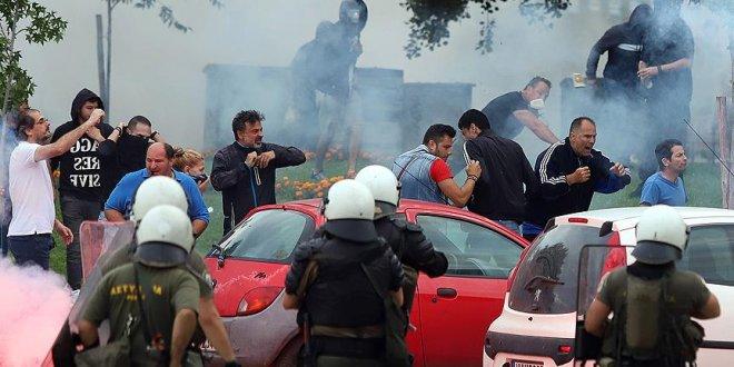 Yunanistan'da göstericiler polisle çatıştı