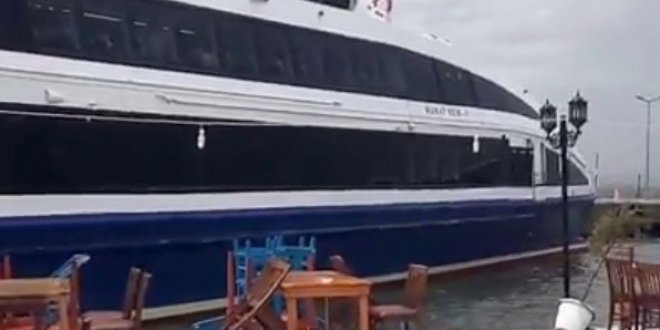 Deniz otobüsü karaya oturdu