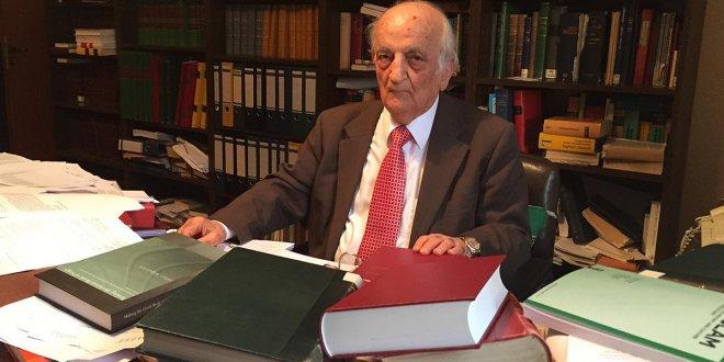Prof. Dr. Fuat Sezgin vefat etti
