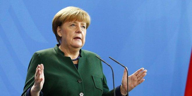 Merkel'den mülteci çıkışı