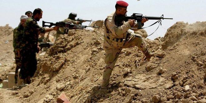 Irak'tan Suriye sınırına tel örgü