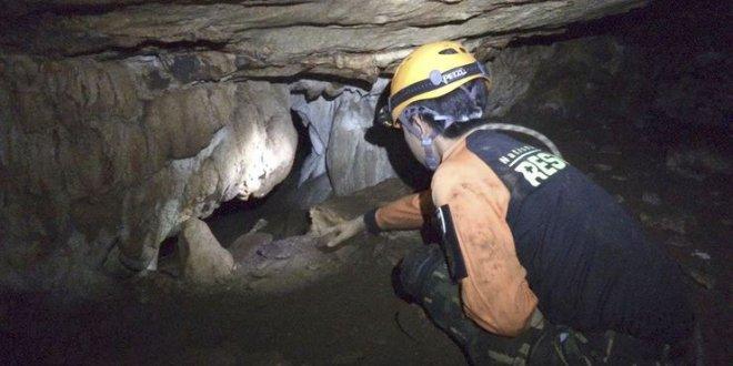 Mağarada mahsur kalan çocukların iki yolu var