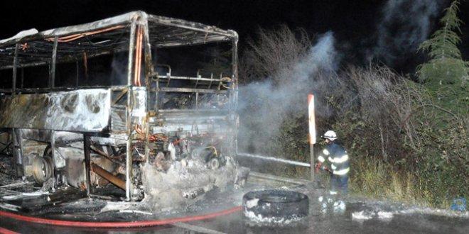 Yolcu dolu otobüs alev alev yandı