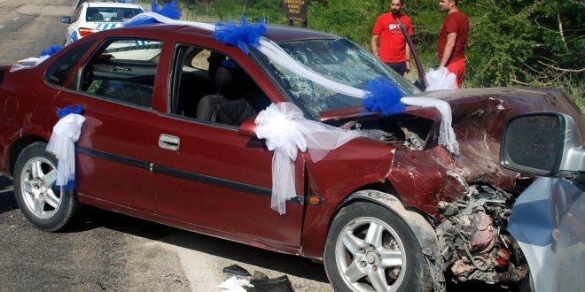 Sünnet arabası kaza yaptı