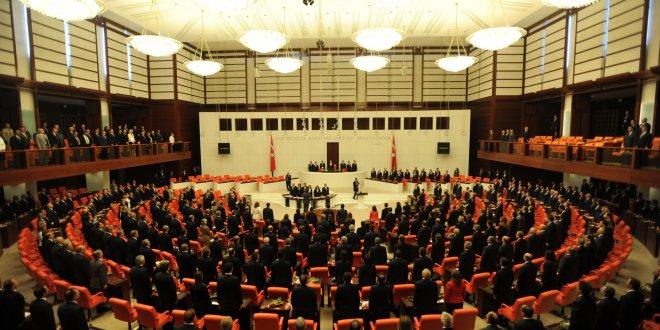 Yeni kabine Meclis'te yemin etti