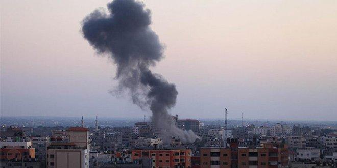 Suriye'de Esed rejiminin hava saldırıları devam ediyor
