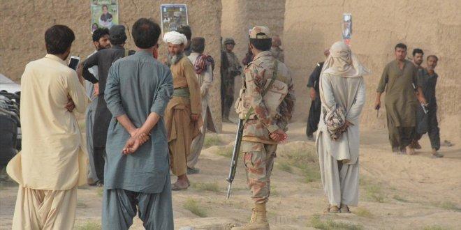 Pakistan'da bombalı saldırı: 132 ölü