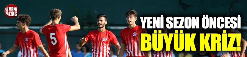 Antalyaspor'da yeni sezon öncesi büyük kriz
