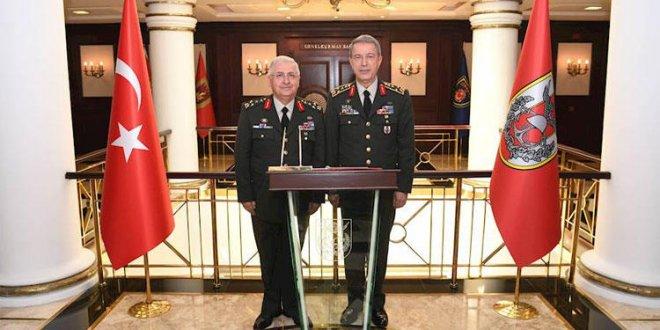 Milli Savunma Bakanı Hulusi Akar görevini devretti