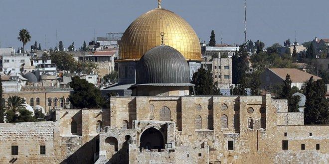 Fanatik Yahudilerden Mescid-i Aksa'ya saldırı
