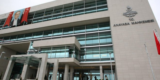 Anayasa Mahkemesi'nden 3 partiye kapatma kararı