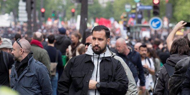 Macron'un koruması krize neden oldu