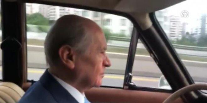 Bahçeli otomobiliyle Ankara'yı gezdi