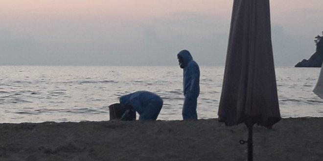 Bartın'da sahile varil vurdu