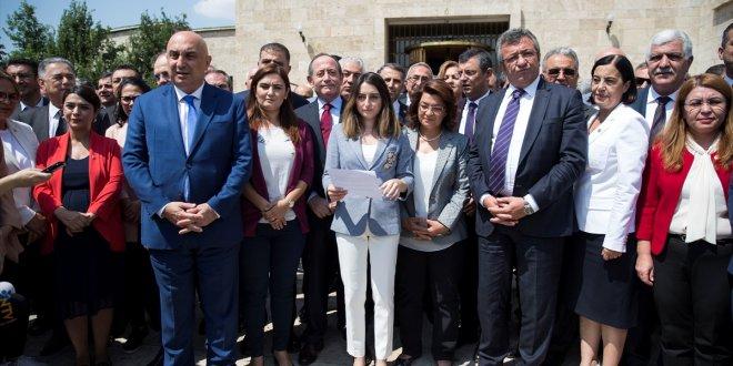 CHP'de 129 milletvekilinden kurultay tepkisi