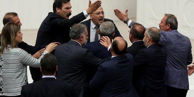 AKP'den Ahmet Şık'a dava