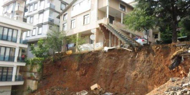Sancaktepe'de çökme tehlikesi