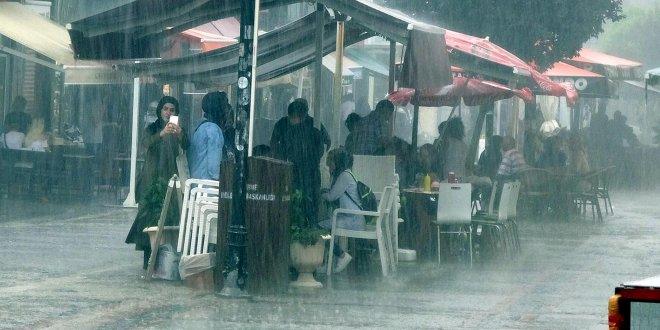Edirne ve Tekirdağ'da yağmur etkili oldu