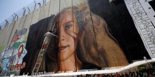 Ahed Tamimi'nin resmini çizen 2 ressam gözaltına alındı