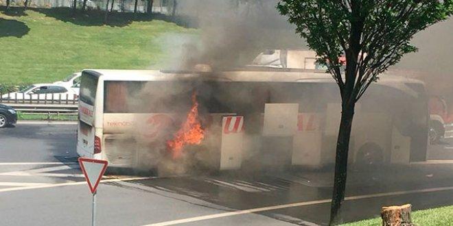 Esenler'de yolcu otobüsünde yangın