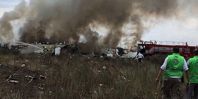 Düşen uçaktaki 101 kişi kurtarıldı