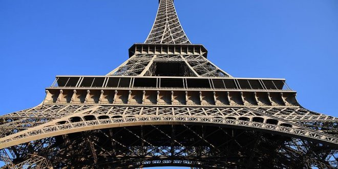 Fransa'da Eyfel Kulesi krizi