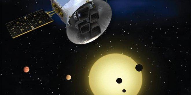 NASA'nın uydusu kuyruklu yıldızı kayda aldı