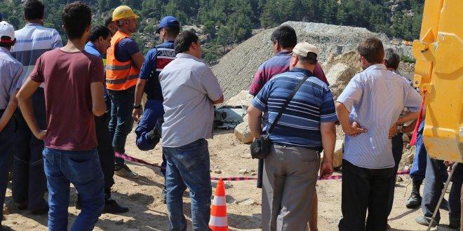 Maden ocağında üzerine kaya düşen işçi öldü