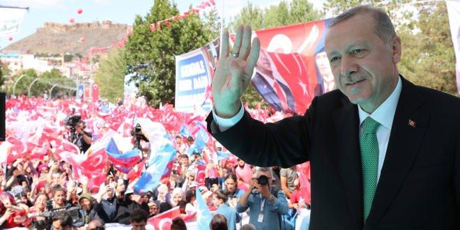 """Erdoğan: """"Neymiş kurmuş, neymiş dövizmiş geçin bunları"""""""