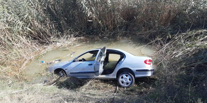 Otomobil kanala uçtu: 2 ölü, 2 yaralı