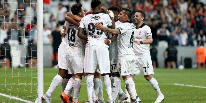 Beşiktaş'ın maç kadrosu şekillendi