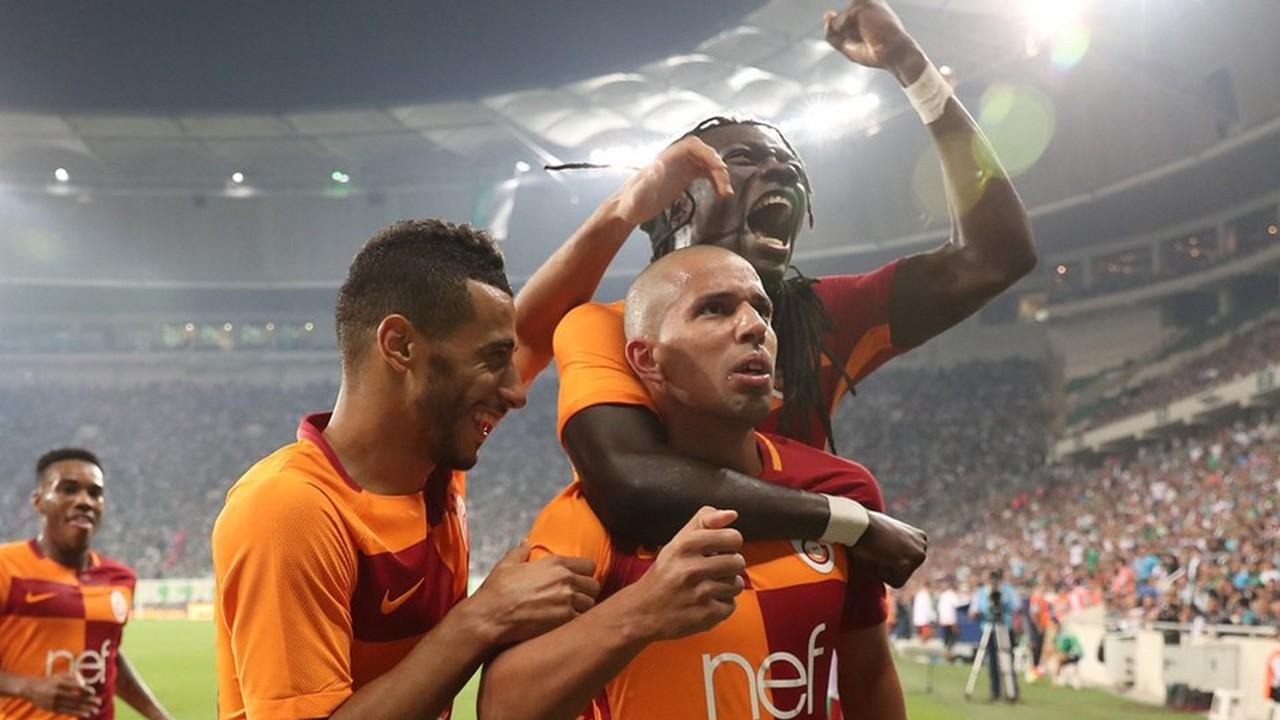 Galatasaray 3 yıldızına kapıyı gösterecek