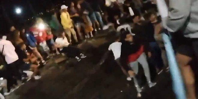Müzik festivalinde platform çöktü