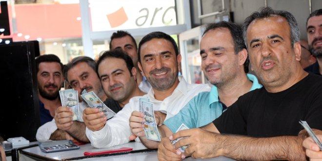 Oda ve STK temsilcileri, dolar bozdurdu