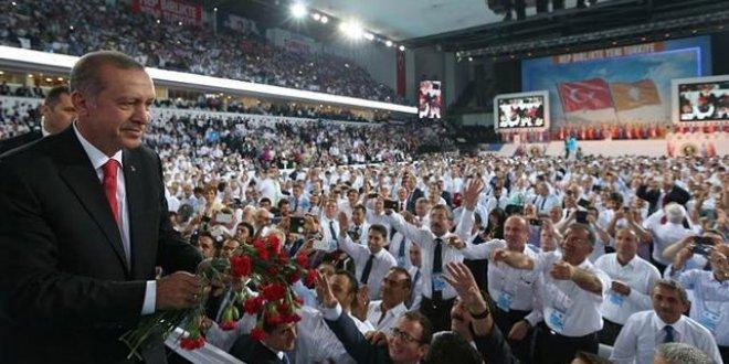 AKP'de kongre günü (Canlı yayın)