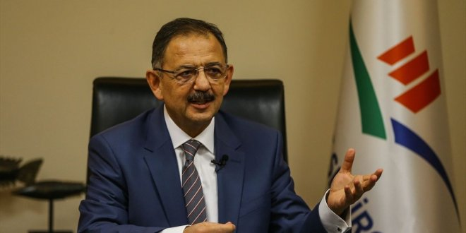 """Özhaseki: """"Bazı belediye başkanlarını partiden attık"""""""