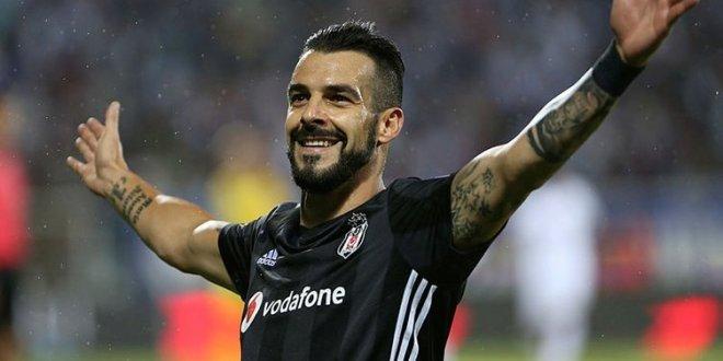 Beşiktaş'tan Negredo'ya yeni sözleşme