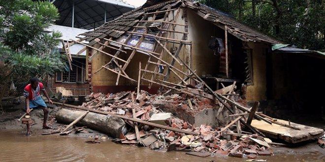 Hindistan'da sel felaketinde ölenlerin sayısı 445'e yükseldi