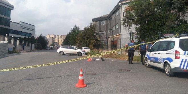 Sokak ortasında iki kadına silahlı saldırı