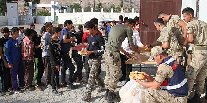 Van'da 145 kaçak göçmen yakalandı