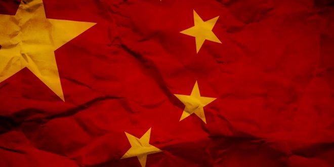 Çin, Türk profesörün eşini alıkoydu!