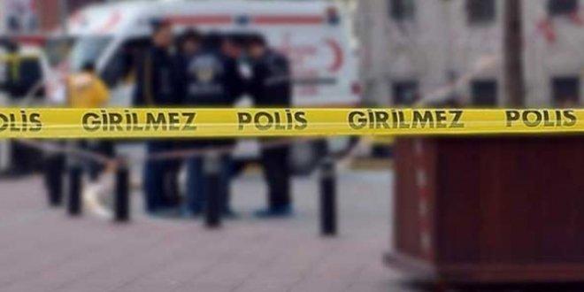 Kavgaya müdahale eden polis bıçaklandı